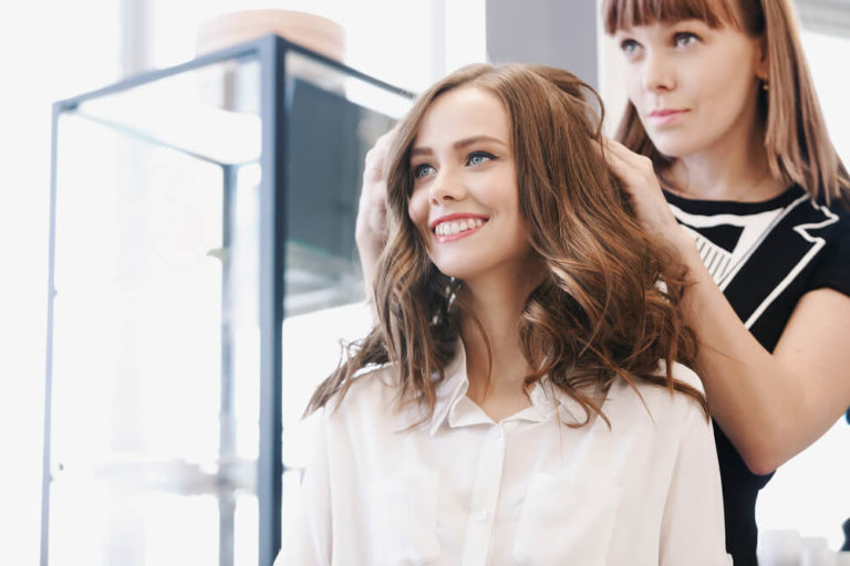 Skills & Qualities Of A Beautician